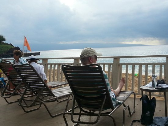 Maui Eldorado : The cabana is a major amenity. Private deck on beach.  Kitchen and towels supplied.