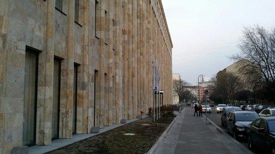 Crowne Plaza Berlin - Potsdamer Platz: Fassade