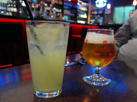 Rave Burger: Lemonade & Delirium (Belgian Ale)