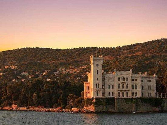 Al Toscano : Castillo Miramare