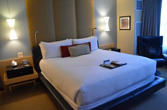 Battery Wharf Hotel, Boston Waterfront: King Bed