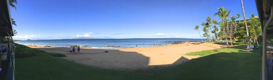 Sarento's on the Beach - Maui: View from our table at Sarento's on the Beach