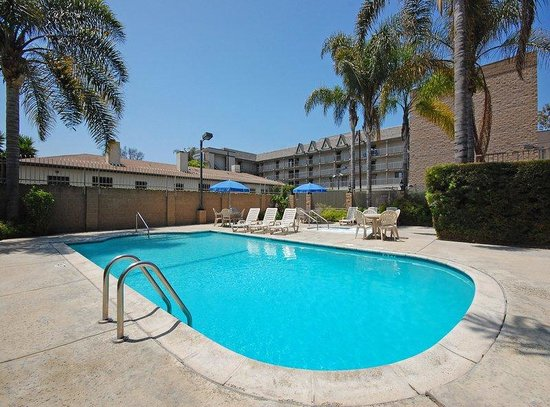 301 moved permanently - Best hotel swimming pools in california ...