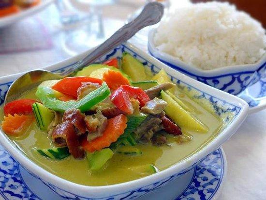 Thai Satay Restaurant: Green curry