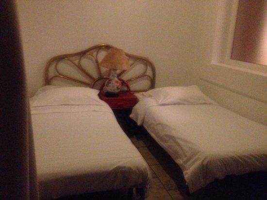 Luberon L'hotel: Notre chambre!!:)