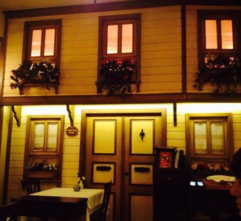 Pasazade Restaurant Ottoman Cuisine : Interno del ristorante