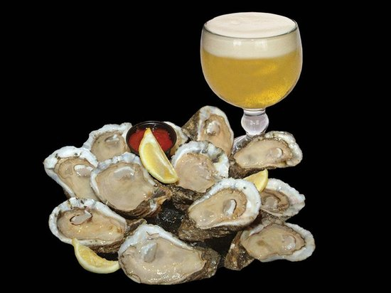 DON'S Seafood: Oysters on the Half Shell
