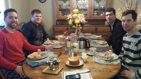 Alpenrose Bed and Breakfast: During one of our wonderful breakfasts...