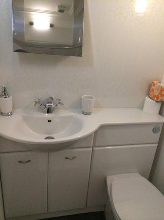 4Kt Guesthouse: bathroom