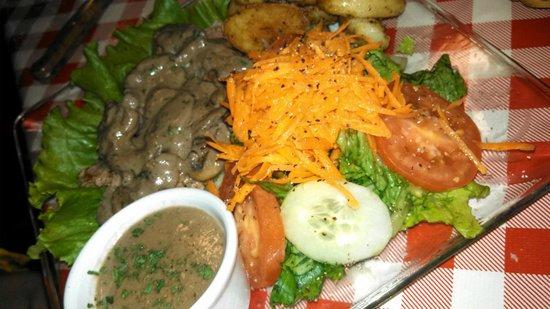 I Famosi Pasta : Beef and Mushrooms - Perfect!