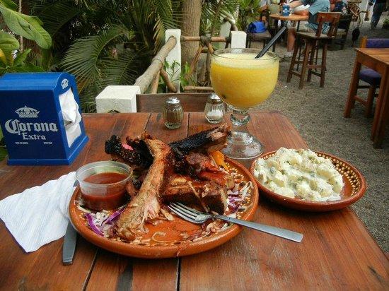El Rio BBQ-Bar: El Rio BBQ ribs!