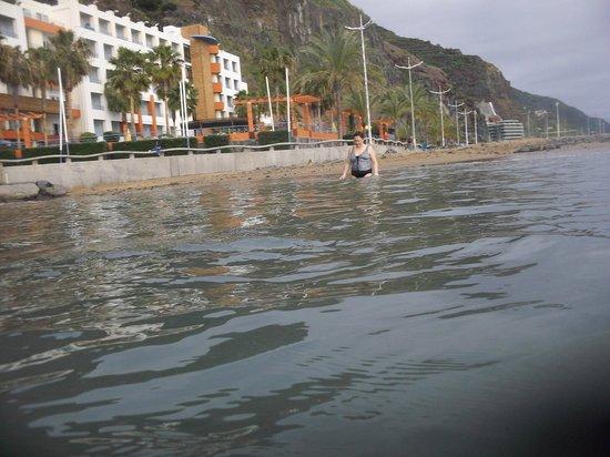 Savoy Calheta Beach : das Hotel vom Meer aus gesehen