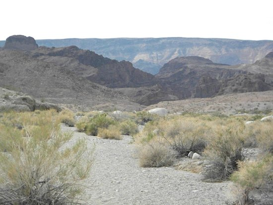Evolution Expedition Kayak Tours - Day Tours : On the way out of the canyon.  It get's warm!