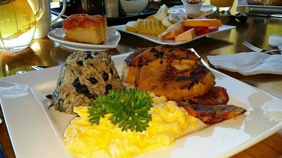 Hidden Canopy Treehouses Boutique Hotel : Amazing breakfast