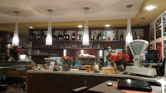 De Gustibus momenti italiani Cafe Ristorante Vinothek