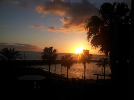 Savoy Calheta Beach : Sonnenuntergang vom Balkon des Zimmers