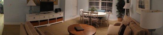The Inn at Little Harbor : Dining room
