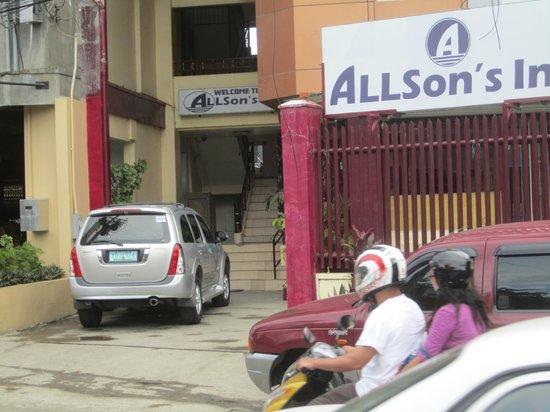 Allsons Inn: front entrance