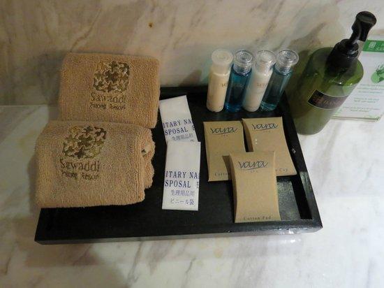 Sawaddi Patong Resort & Spa : Nice selection of toiletries