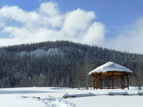 Snow Mountain Ranch: The gazebo at the top of your climb