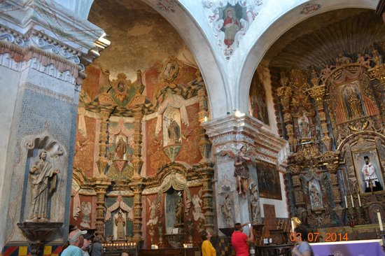 Mission San Xavier del Bac : Left side of the alter