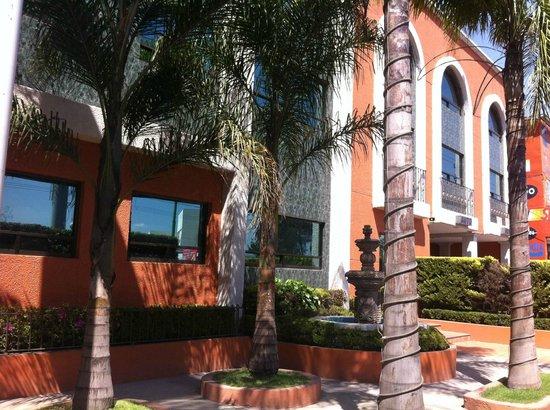 Hotel y Motel Plaza Las Fuentes