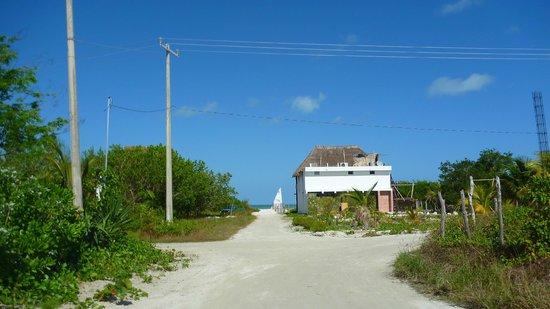 Casa Blat Ha: Walk to beach