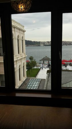 Four Seasons Istanbul at the Bosphorus: класс