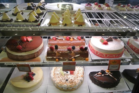 Real InterContinental Costa Rica at Multiplaza Mall : Desserts in The Market - a hotel restaurant