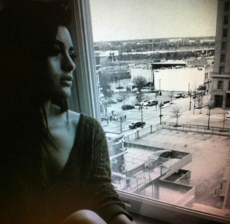 Hotel ICON, Autograph Collection : My friend looking out our window to DT Houston