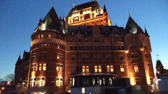 Chateau des Tourelles: Chateau Frontenac at sunset