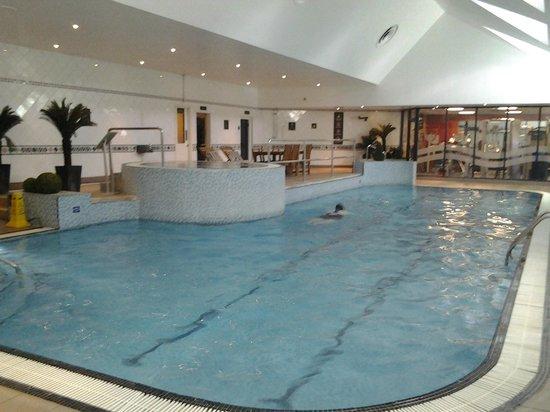 Hilton East Midlands Airport : Pool, jacuzzi & steam room