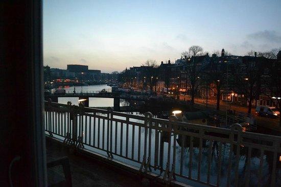 De L'Europe Amsterdam: de bon matin , vue sur l'Amstel