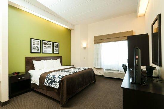 سليب إن آند سويتس: Modern guest rooms