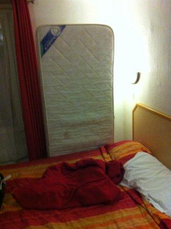 """Hotel Mary's République: Il quarto """"letto"""" aggiunto."""