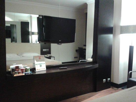 Saray Hotel: tv