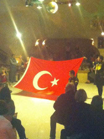 Local Cave House: turkish night fantastic show all inclusive with drinks