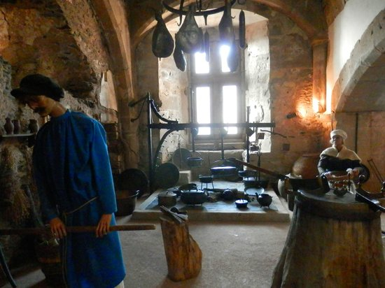 Chateau de Vianden: castle kitchen