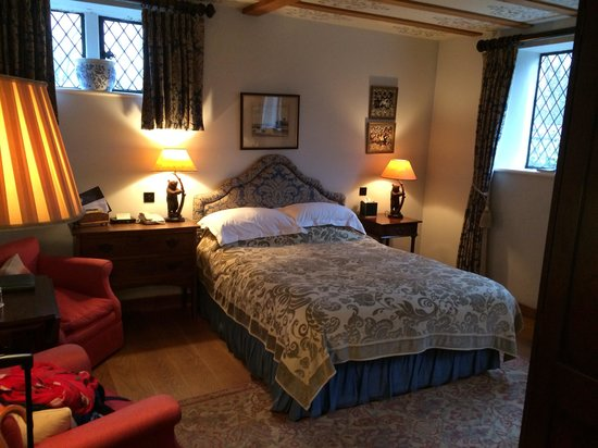 Bailiffscourt Hotel: Bedroom in the gatehouse