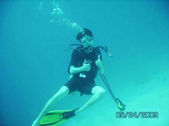 Bougainvillea Beach Resort: Son Diving