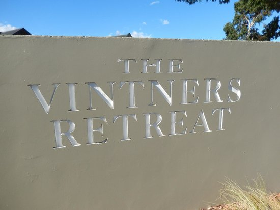 Vintners Retreat: Sign