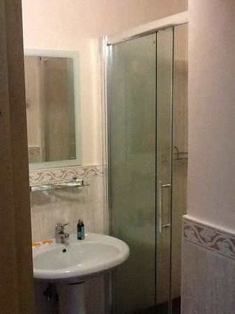 Hotel Continentale : salle de bain