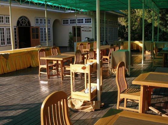 Pine Hill Resort, Kalaw: Outdoor dining room