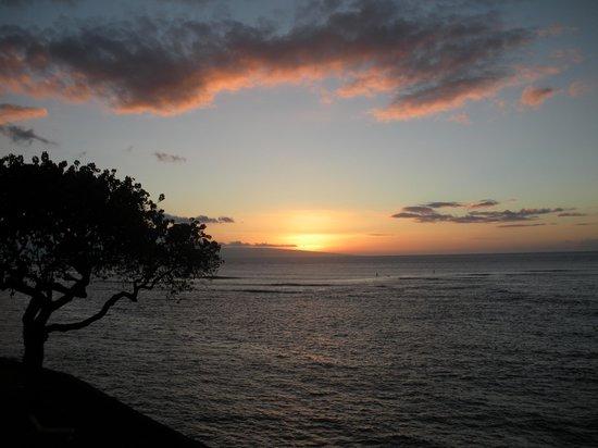 Kahana Reef: Sunset from balcony
