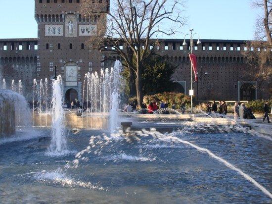 Castello Sforzesco: Outside view