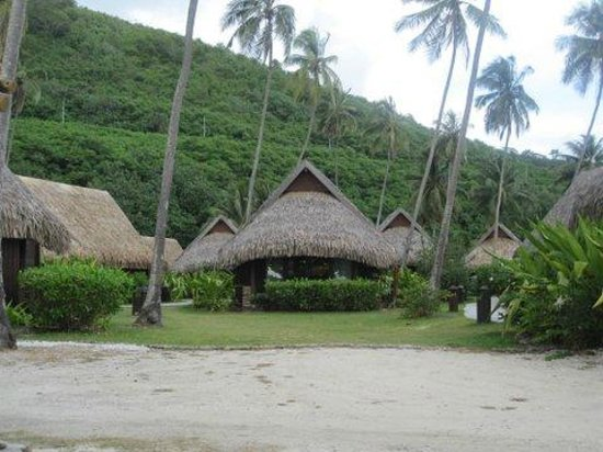 Sofitel Moorea Ia Ora Beach Resort: Garden bungalow with a direct view of the beach