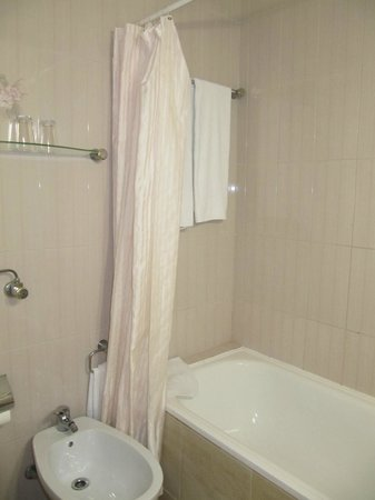 Hotel Santa Eulalia: Bathroom
