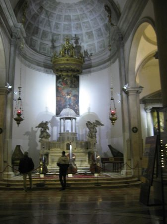 Interpreti Veneziani : INTERNO CHIESA