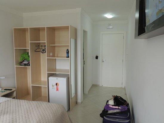 Das Nacoes Hotel: interior de la habitacion