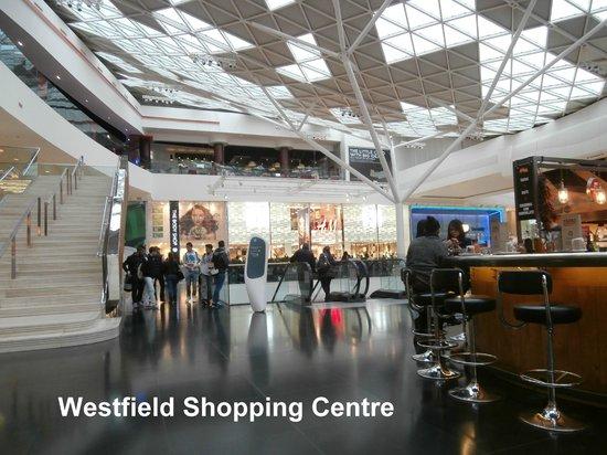 Ibis London Shepherds Bush : Westfield Shopping Centre-5 Minute Walk from Ibis